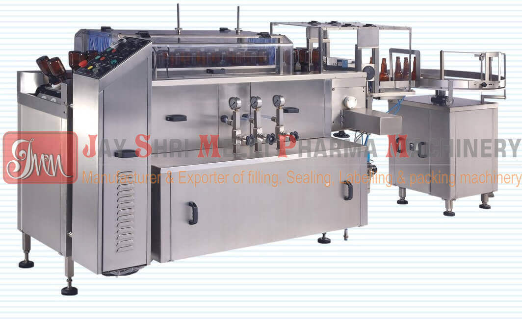 LINEAR BOTTLE WASHING MACHINE WITH ROBOTIC UNLOADING